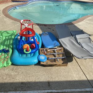 POOL SUPPLYS TOYS CHAIRS BUNDLE for Sale in Bakersfield, CA