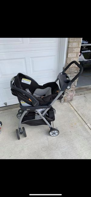 Chicco Keyfit 30 stroller, carrier and base for Sale in Woodstock, GA