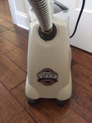 Jiffy Clothes Steamer for Sale in Hardy, VA