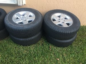 31 inch tires and Jeep wheels for Sale in Coral Springs, FL