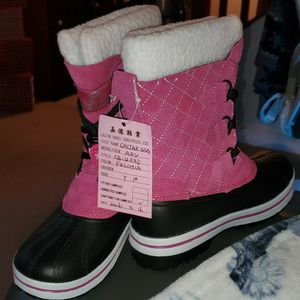 Magellan Girls Boots Size 1 for Sale in Hudson, FL