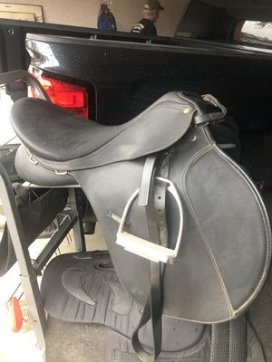 Wintec AP saddle with accessories for Sale in Scottsdale, AZ
