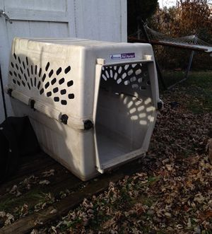 Dog house for Sale in Edgewater Park, NJ