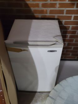 Mini Fridge for Sale in Hoffman Estates,  IL
