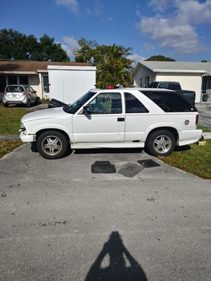 2002 Chevy Blazer Xtreme 4.3 Vortec for Sale in Hialeah, FL