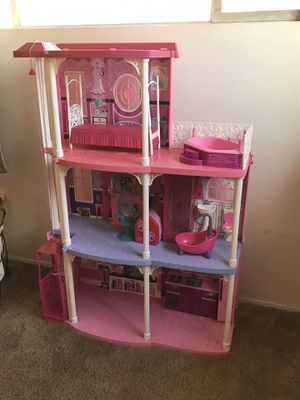 Barbie Dreamhouse for Sale in Baldwin Park, CA