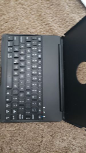 NEVER USED. Sturdy bluetooth keyboard for iPad air 2 for Sale in Oceanside, CA