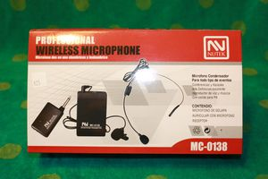 Wireless microphone kit for Sale in Moreno Valley, CA