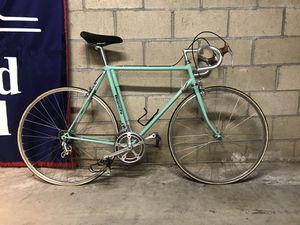 1983 VINTAGE Bianchi Road Bike for Sale in Los Angeles, CA