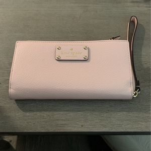 Kate Spade Large Zipper Wallet for Sale in Fullerton, CA