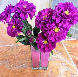 2 Vases with flowers/ 2 búcaros con flores for Sale in Miami Gardens, FL