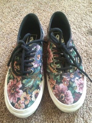 Tapestry Vans Size 6 for Sale in Ballston Lake, NY