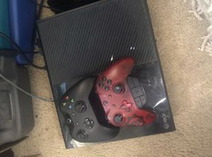 Xbox one w/ 2 controllers for Sale in Washington, DC