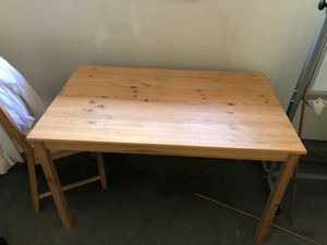 Small dining table( H:28.7,L:47.5, W: 29.5) for Sale in Issaquah, WA