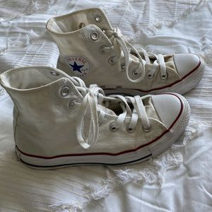 women's high top converse for Sale in Bakersfield, CA