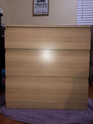 Dresser three drawer small for Sale in Modesto, CA