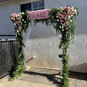 Wedding Arch 6ft Length X 4ft Width X 7 Ft 1 Inch Height for Sale in Pico Rivera, CA