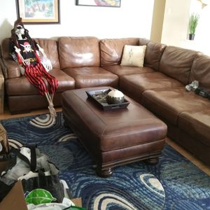 Brown Leather Sectional Couch w/ Ottoman for Sale in Hitchcock, TX