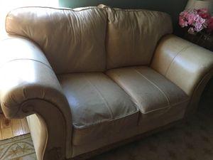 Free couches!! for Sale in El Sobrante, CA