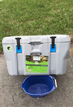 Cooler for Sale in Miami, FL