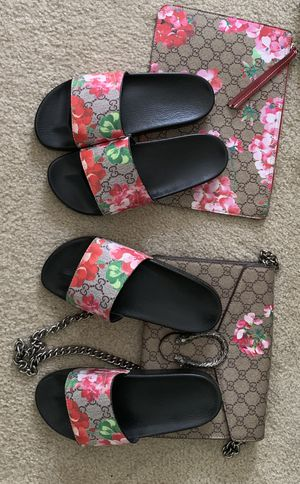Gucci Slides size 7 & 8 Gucci Handbag & Purse for Sale in North Bethesda, MD