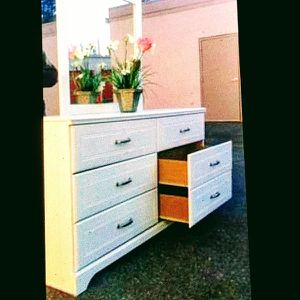 Modern White Dresser With Mirror Exellent Condition for Sale in Fairfax, VA