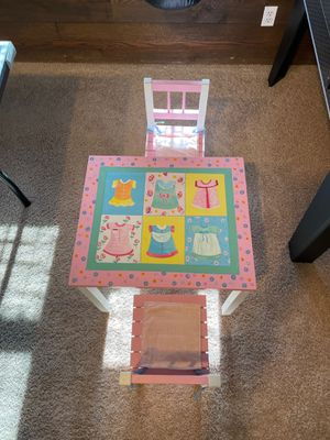 Kids Table and Chairs for Sale in Danbury, CT