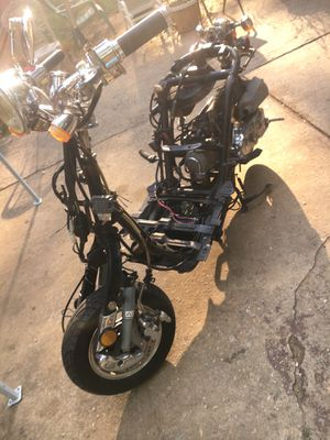 50cc runs good needs plastic only for Sale in Atlanta, GA