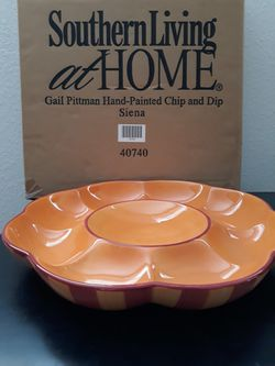 Southern Living Gail Pittman Hand Painted Chip/dipper for Sale in Snohomish,  WA