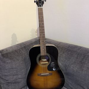 Epiphone DR-100 VS Full Size Acoustic Guitar Used like new for Sale in Fremont, CA