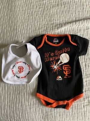 0-3mo San Francisco Giants baby onesie and bib for Sale in San Diego, CA