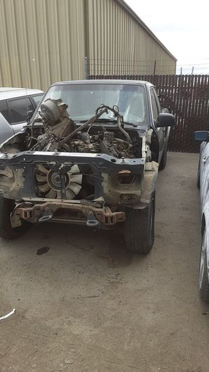 Solamente partes Parts Only 99 Mazda B3000 for Sale in Turlock, CA