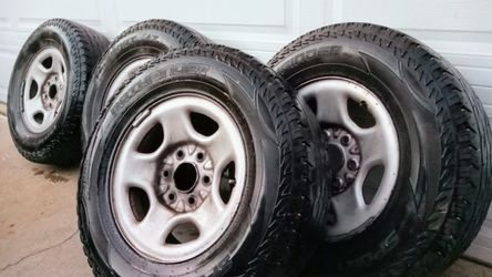 245/ 75/ 16 Wheels 6 Lug Rims Tires 245 75 16 Chevy Nissan Mazda for Sale in Bellflower,  CA