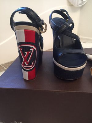 Authentic Louis Vuitton Wedges Size 7.5 for Sale in Tolleson, AZ