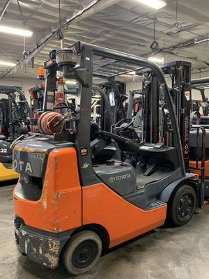 2016 Toyota 8FGCU25 (5000 lbs) LPG forklift for Sale in Montebello, CA
