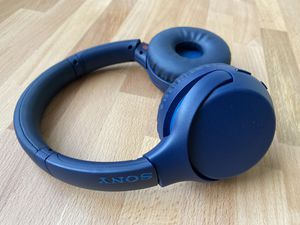 Sony Blue Extra Bass Wireless Noise Canceling Headphones for Sale in Miami, FL