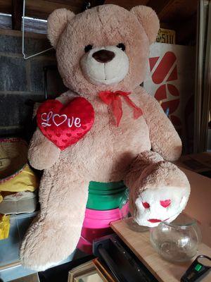 Big love teddy for Sale in North Brunswick Township, NJ