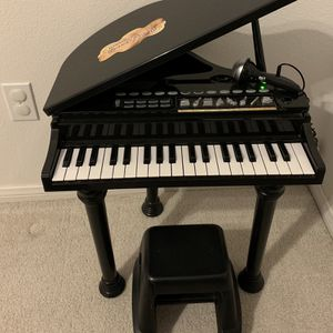 KIDS BABY GRAND PIANO TOY for Sale in Henderson, NV