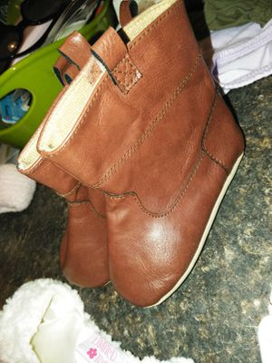 Baby girl boots 9-12 months for Sale in Hendersonville, NC