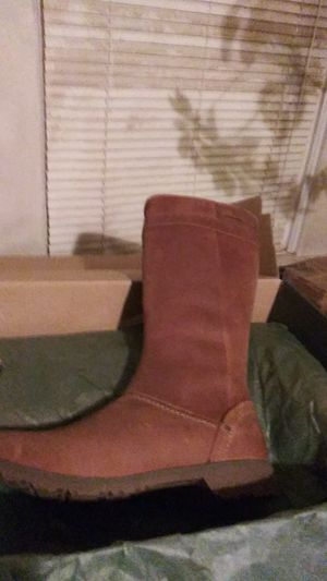 Brand new. Size 7 womens boots brown for Sale in Portland, OR