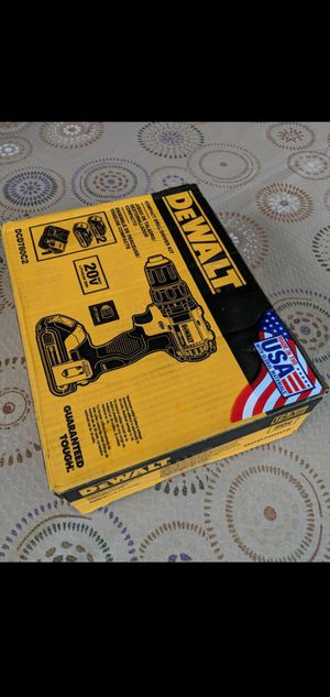 DEWALT 20-VOLT MAX LITHIUM ION CORDLESS COMPACT DRILL/DRIVER WITH (2) BATTERIES CHARGER AND TOOL BAG for Sale in San Bernardino, CA