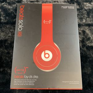 Beats By Dre Solo HD Wired On Ear Headphones! In great shape and come with original packaging! for Sale in Mason, OH