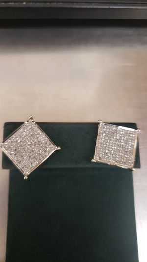 10K White Gold Diamond earrings for Sale in Chicago, IL