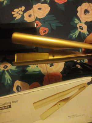 2 in 1 Hair Curling Iron Hair Straightener for Sale in Cleveland, OH