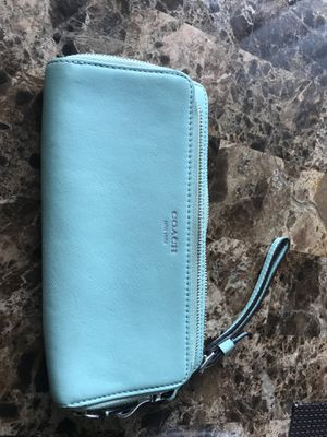 Large Coach wallet for Sale in Chino, CA