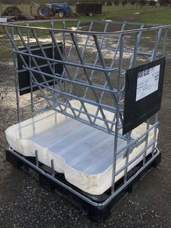 Hay and Grain Feeder for Sale in Molalla,  OR