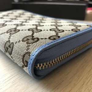 Gucci GG Canvas Continental Wallet for Sale in Phoenix, AZ