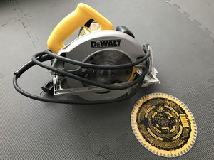Dewalt 7 1/4 circular saw for Sale in Jonesboro, GA