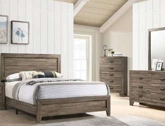 🌟🌟 SAVE UP 70 % OFF BEDROOM SET: QUEEN BED + NIGHTSTAND+ DRESSER+ MIRROR (**Mattress and Chest not included**) for Sale in Santa Ana,  CA