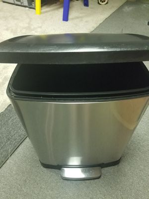 Tall kitchen automatic trash bin for Sale in West Covina, CA
